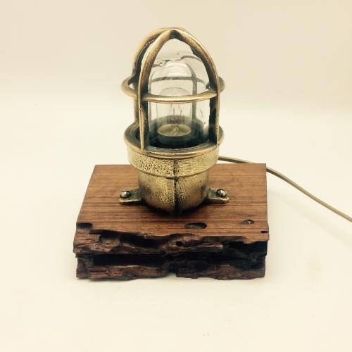 Lampe de marine